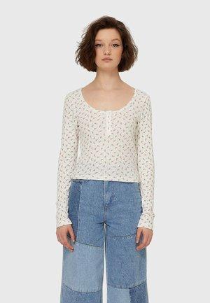 MIT KNOPFLEISTE - Bluzka z długim rękawem - white