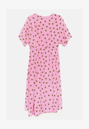 Day dress - logo dot pink