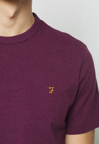Farah - DENNIS SOLID TEE - Print T-shirt - purple marl - 5