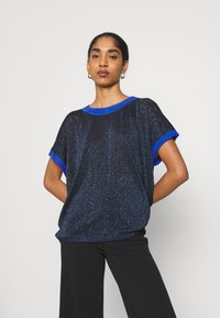 Nümph - NUBELINDA DARLENE - Print T-shirt - dark blue - 0