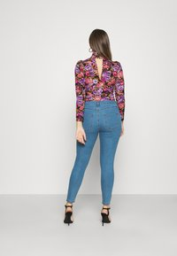 Cotton On - MID RISE - Jeans Skinny Fit - revolve blue - 2
