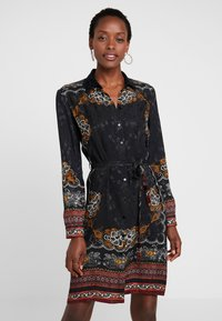 Desigual - VEST SUAM - Košilové šaty - black - 0