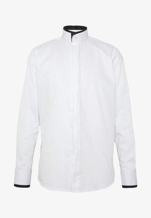MODERN FIT - Formal shirt - white/black
