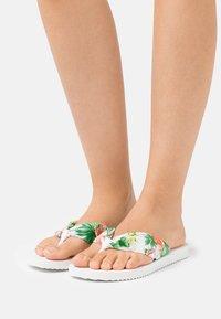 flip*flop - TUBE TROPICS - T-bar sandals - white - 0