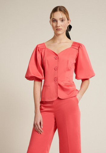 VAGLIA - Summer jacket - corallo