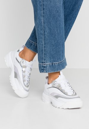 KAYSIE  - Sneakers - white