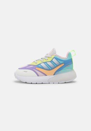 ZX 2K 2.0 UNISEX - Sneakers basse - white/light purple