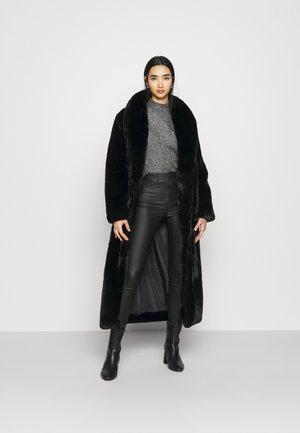 PREMIUM LONGLINE MAXI COAT - Winter coat - black