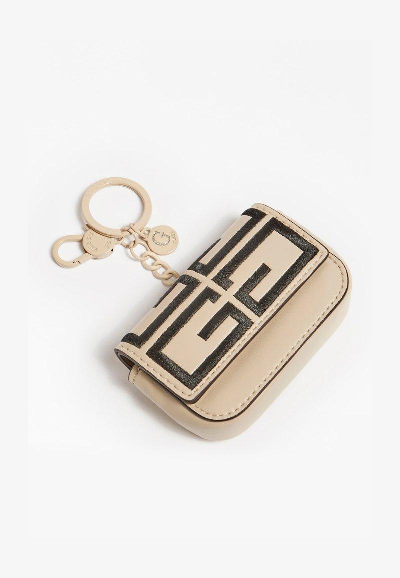 Guess - Key holder - weiß