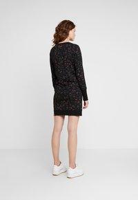 Ragwear - MENITA FLOWERS - Korte jurk - black - 2