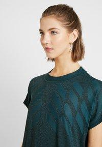 Nümph - NUROSEVILLE DRESS - Pletené šaty - atlantic deep - 4