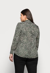New Look Curves - LEO LEOPARD PRINTED - Button-down blouse - green - 2