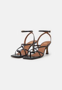 Billi Bi - T-bar sandals - black - 1