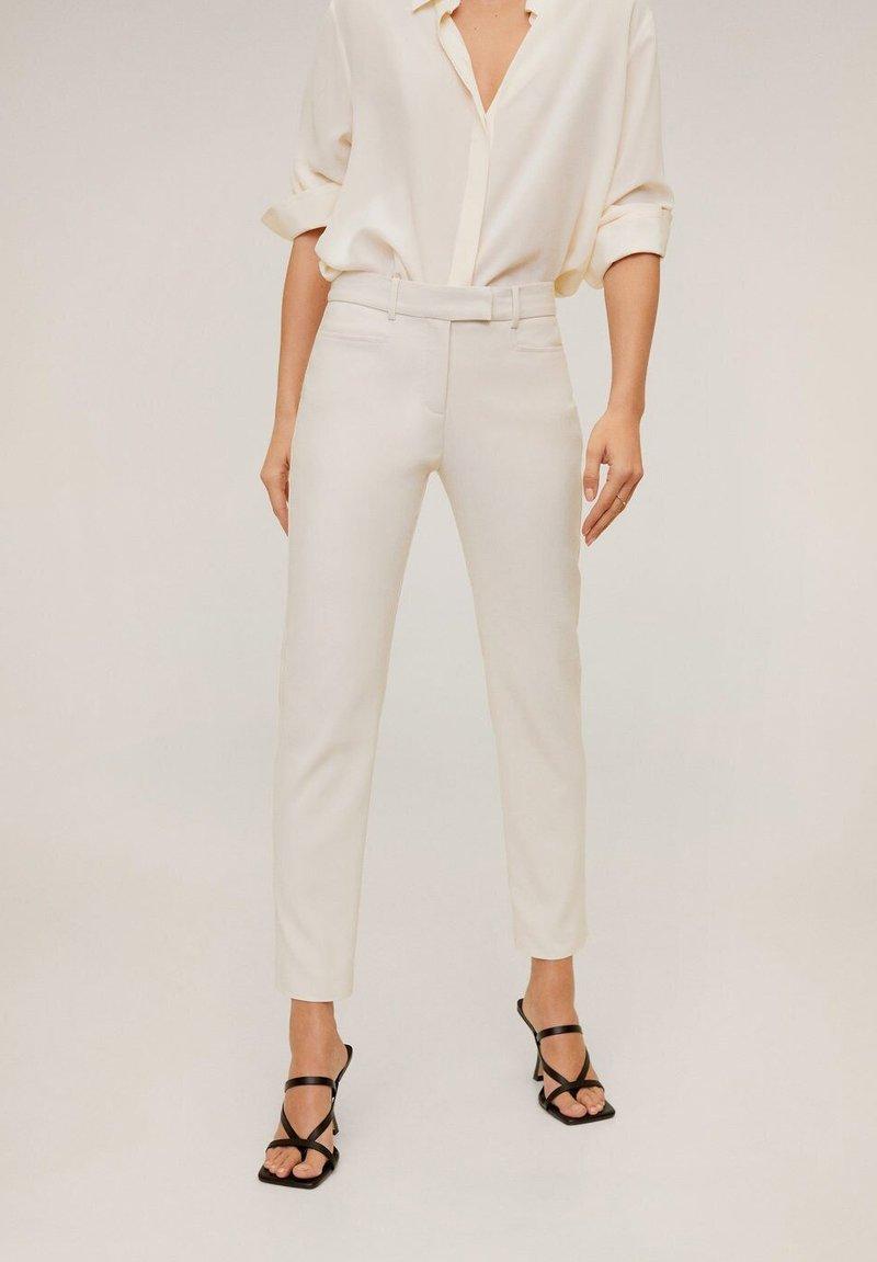 Mango - ALBERTO - Trousers - Cream white