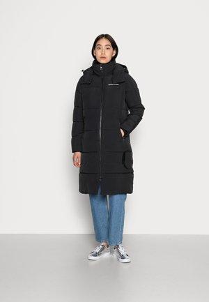 SIDE LOGO LONG PUFFER JACKET - Winter coat - black