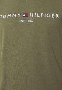 Tommy Hilfiger - LOGO TEE - Print T-shirt - green - 5