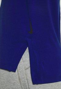 Nike Performance - DRY YOGA - T-shirt basic - deep royal blue/black - 5