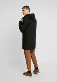 Goosecraft - CARDER COAT - Zimní kabát - black/olive - 2