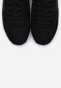 ONLY SHOES - ONLNEW SAHEL - Zapatillas - black - 5