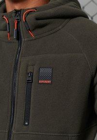 Superdry - POLAR FLEECE - Zip-up hoodie - dark grey green - 2