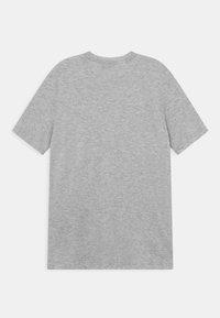 adidas Performance - SUM TEE - Print T-shirt - light grey/red - 1