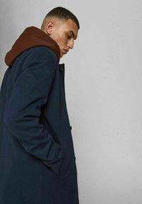Jack & Jones PREMIUM - JJCAPE - Short coat - navy - 3