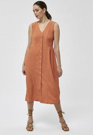 DANIELLA  - Korte jurk - brandied melon
