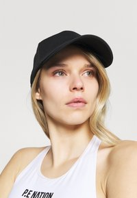 Under Armour - PLAY UP WRAPBACK - Casquette - black - 0