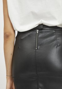 Vila - VIPEN - Pencil skirt - black - 4