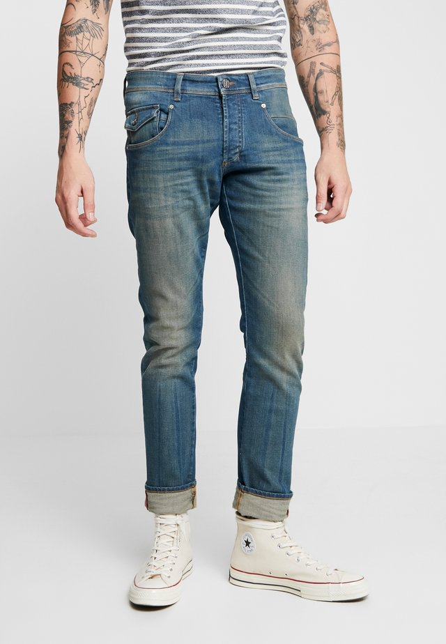 JOHAN - Slim fit jeans - sjiek antiek