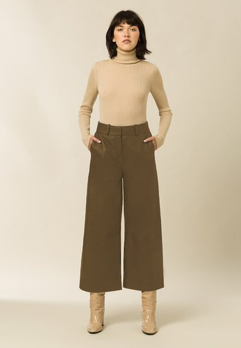 CULOTTE - Leather trousers - beige