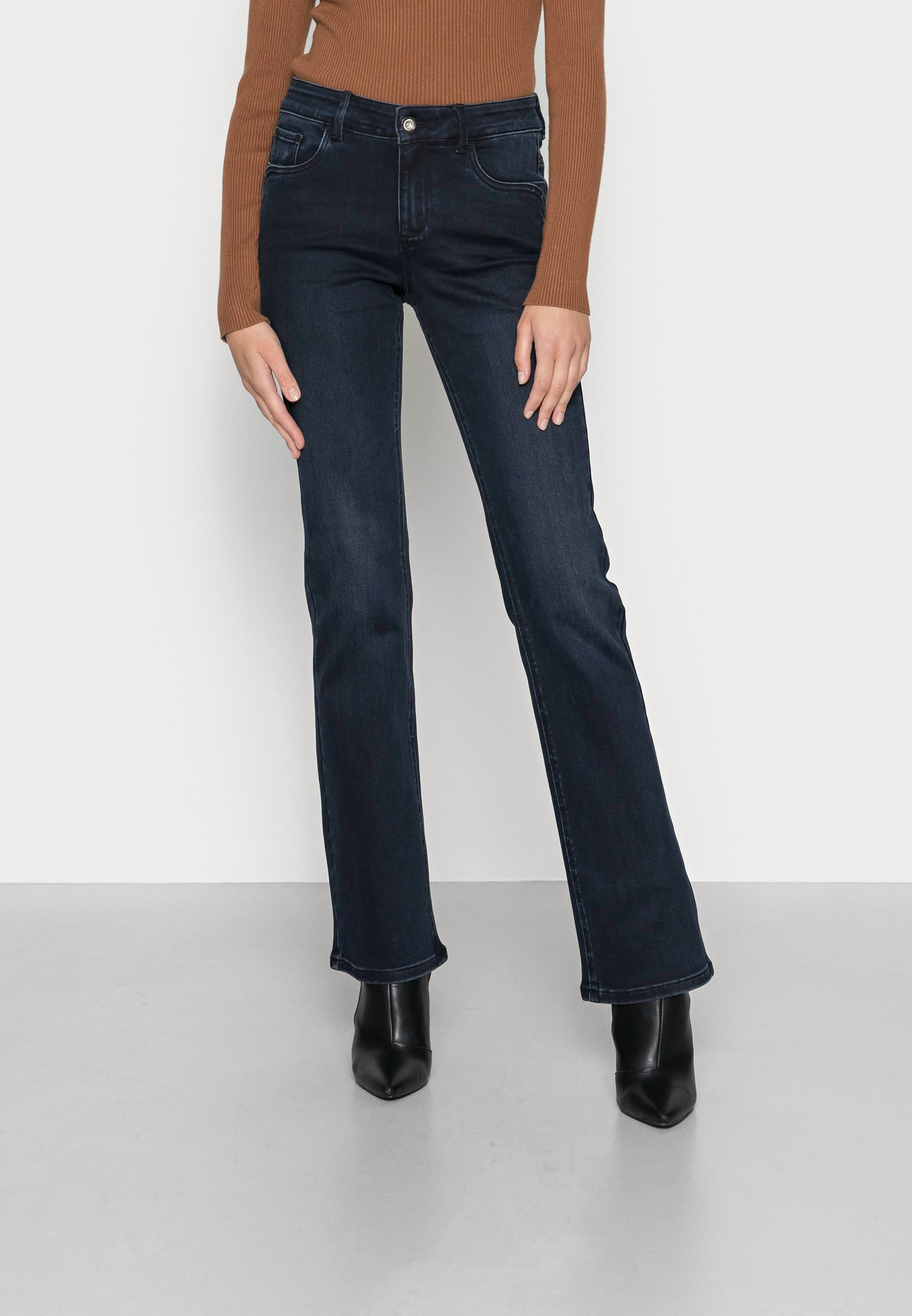 Damer ALEXA NARROWBOOTCUT - Jeans Bootcut