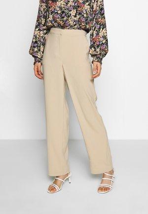 VINATHALIA RWRX - Pantalones - beige
