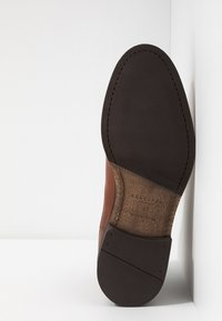 Selected Homme - SLHLOUIS CHELSEA BOOT  - Classic ankle boots - cognac - 4