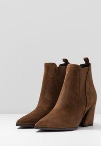 Kennel + Schmenger - AMBER - Boots à talons - castoro - 4