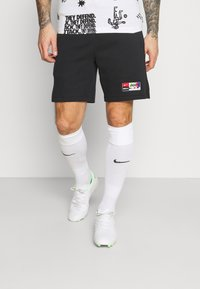 Nike Performance - SHORT  - Korte sportsbukser - black/saturn gold - 0
