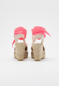 Vidorreta - Sandalias de tacón - lino piedra/mensaje fuxia - 3