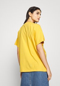 Won Hundred - BROOKLYN EXCLUSIVE - Print T-shirt - yolk yellow - 2