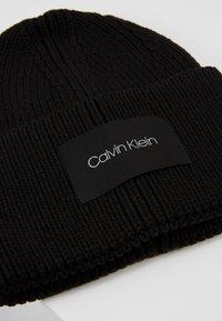 Calvin Klein - FOLD BEANIE - Muts - black - 5