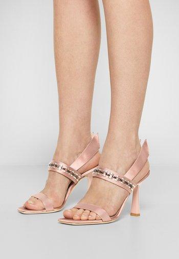 High heeled sandals - violet