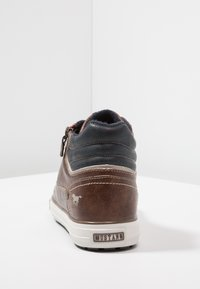 Mustang - High-top trainers - braun - 3