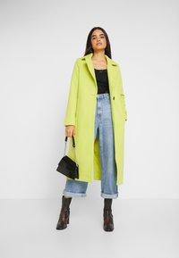 Missguided Tall - SINGLE BUTTON FRONT COAT - Abrigo - neon lime - 1