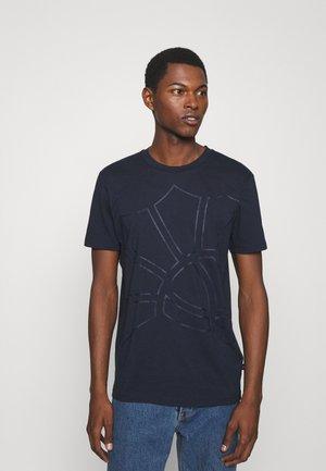 CHANNING - T-shirt z nadrukiem - dark blue