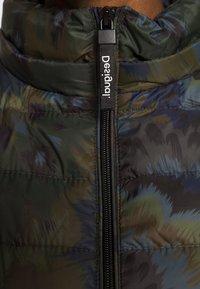Desigual - PADDED ARTIC - Vinterjakker - dark green - 7