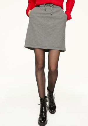 MIT HAHNENTRITT-MUSTER - A-line skirt - cream houndstooth