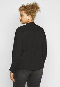 Selected Femme Curve - SLFVIA TOP  - Blouse - black - 2