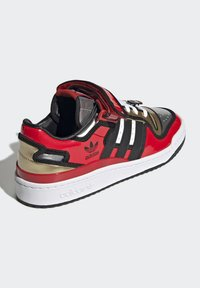 adidas Originals - FORUM LOW SIMPSONS DUFF UNISEX - Zapatillas - red/core black/ftwr white - 3