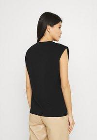 Stylein - JOUE - Jednoduché triko - black - 2