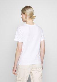 Even&Odd - HATTIE FALLING  - T-shirt print - white - 2