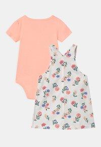 Carter's - SHORTALL FLOR SET - T-shirt basique - white/light pink - 1